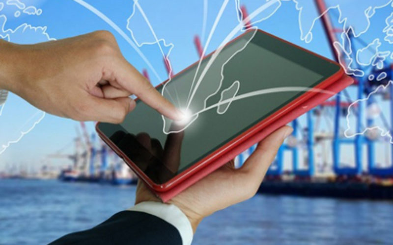 role of internet in e commerce pdf